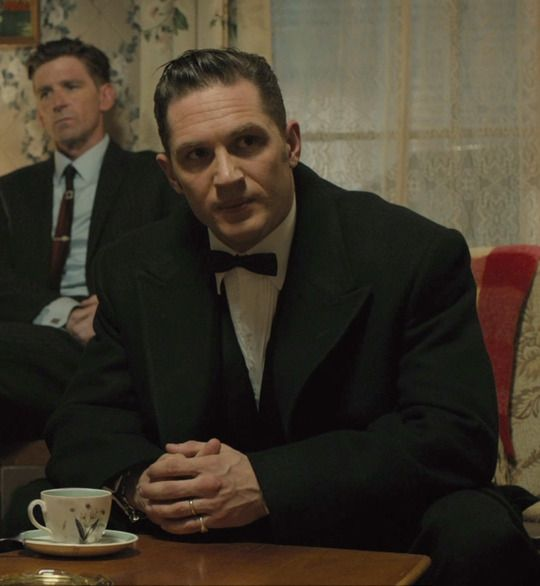 Tom Hardy wins as Best Actor for Toronto Film Critics for movie Legend