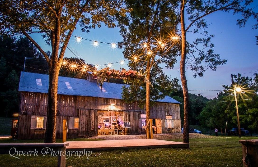 Photo: Qweerk Photography Planner & Designer: Plum & Poppy Florist: Meg Catherine Flowers Venue: The Old Barn in Brown County