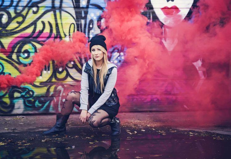 Fotoshooting Mit Farbbomben Street Style Ideen Teenager Geburtstag