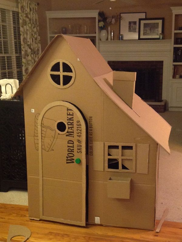 cabane en carton 2 proyectos que intentar pinterest cardboard playhouse cardboard crafts. Black Bedroom Furniture Sets. Home Design Ideas