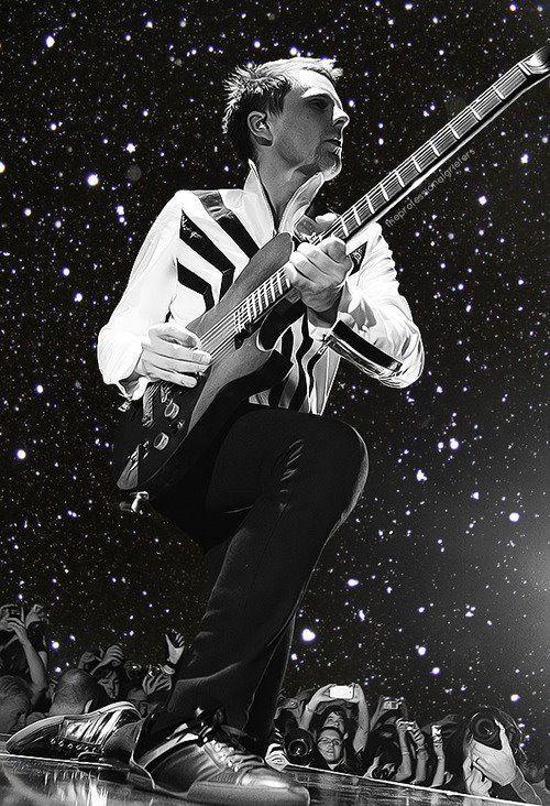 Love this black and white photo. Bellamy, Bandas de rock