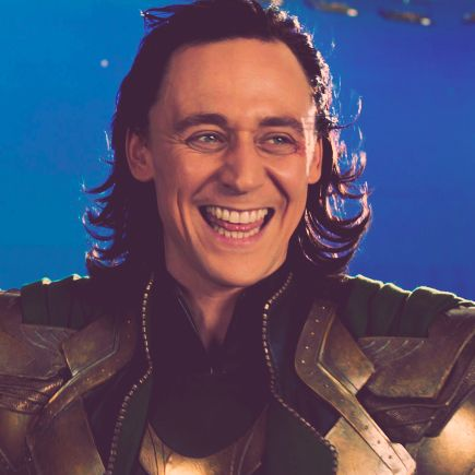 Tom Hiddleston Smile | edits behind the scenes k tom ...