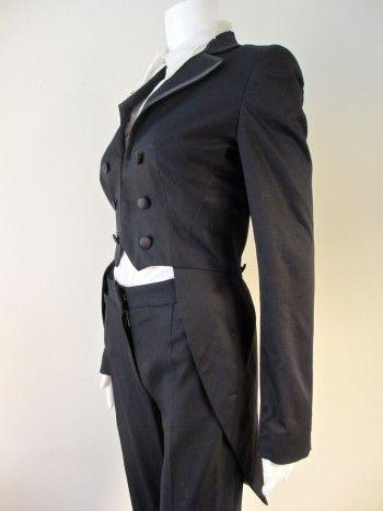 ZATANA--120 BPS Vintage Women\'s Tailcoat with Magenta Purple Lining ...