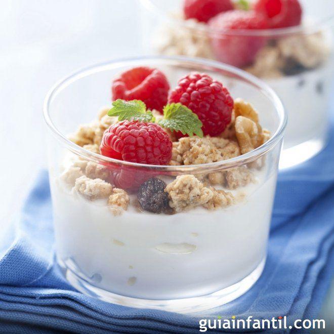 Yogur Con Galletas Y Nueces Merienda Ideal Para Los Ninos
