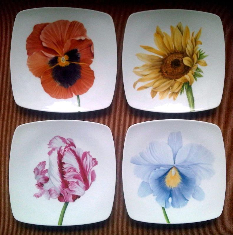 5 Heart Plates Hand Painted Red Flower Dollhouse Miniatures Ceramic Art