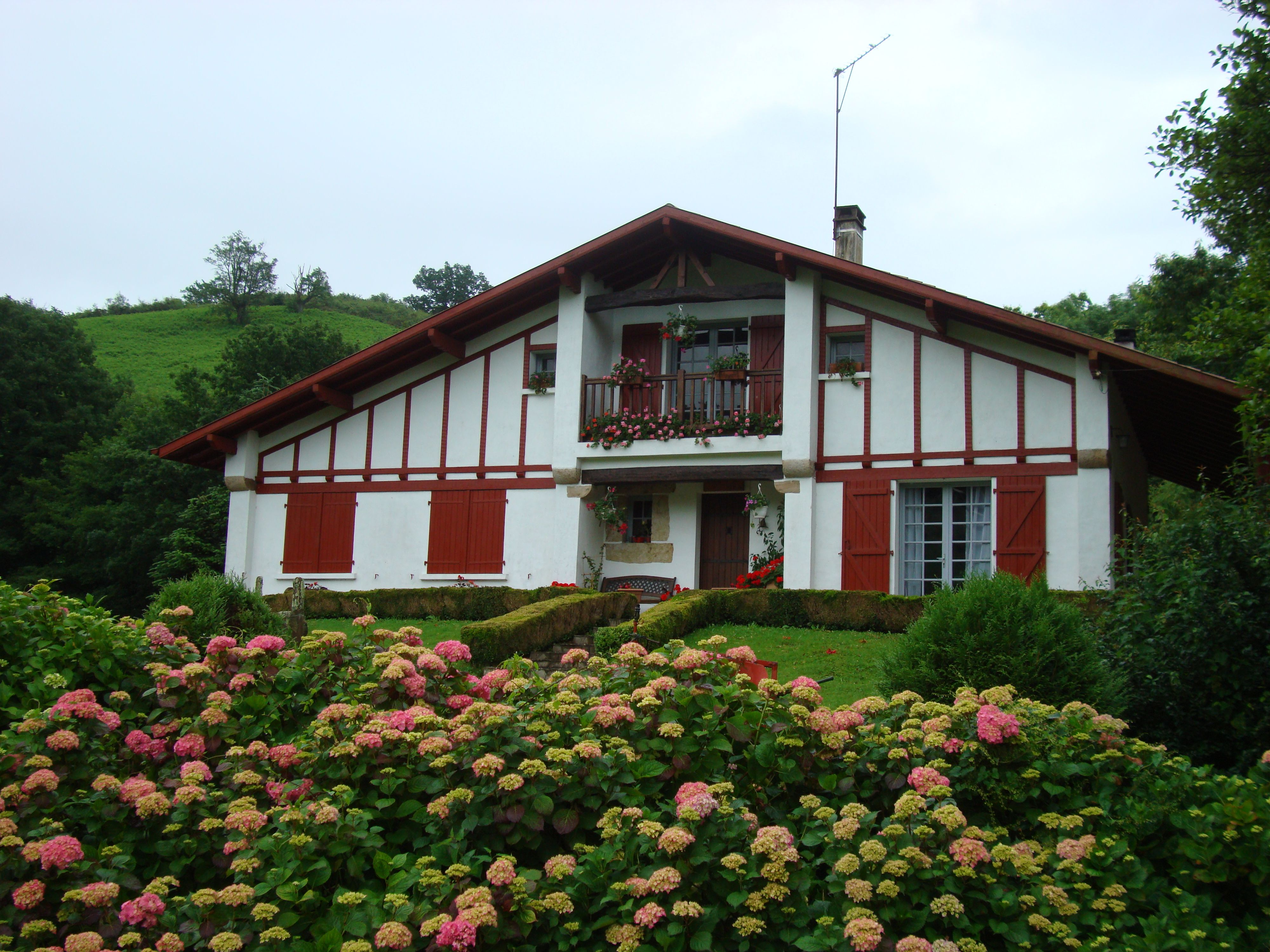 Caserio vasco espa a pinterest - Casas rurales pais vasco frances ...