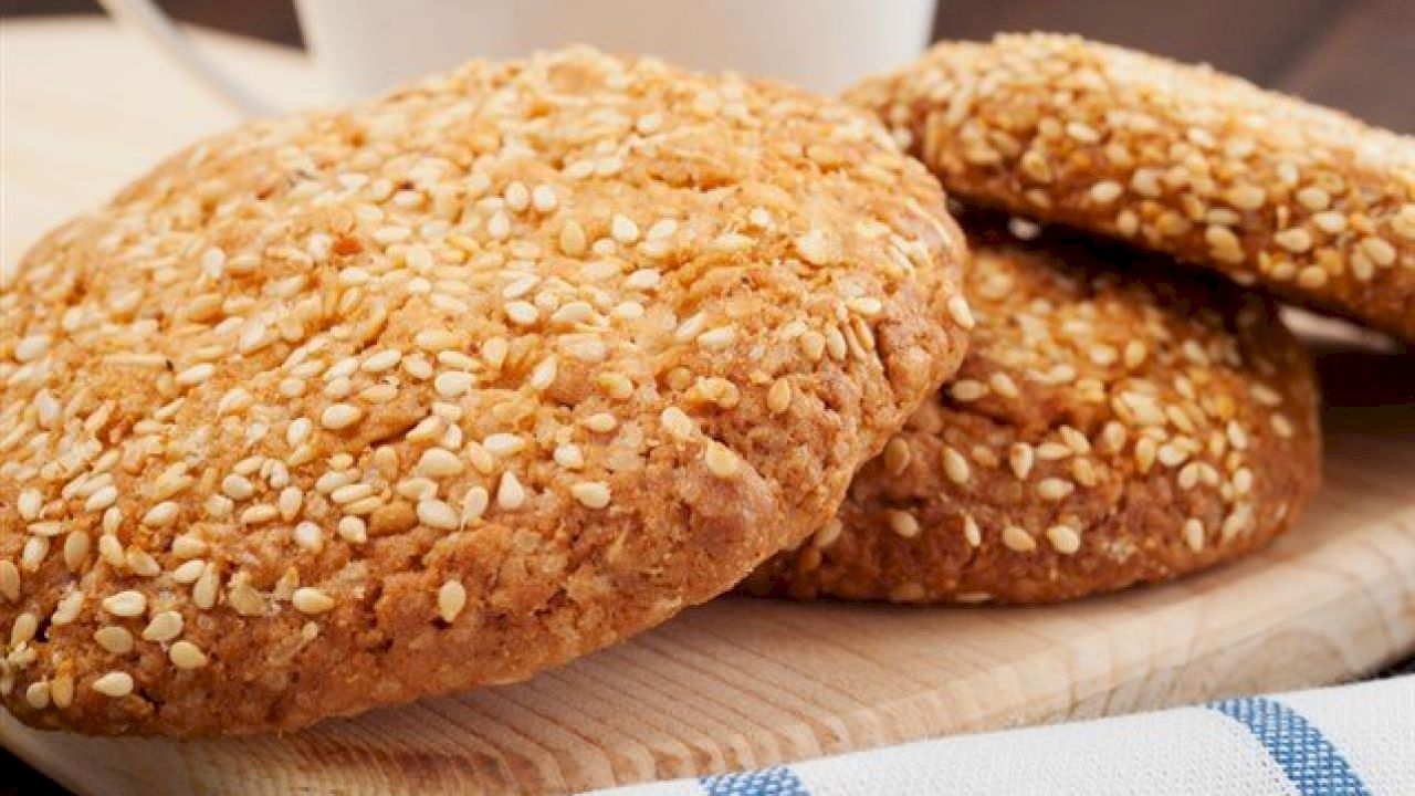 حلى بسكوت السمسم Food Sesame Cookies Hamburger Bun