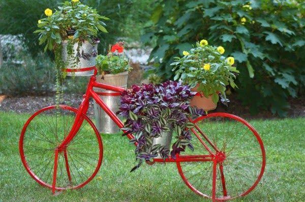 Bicicletas vintage para decorar el jard n garden cart - Ideas para decorar el jardin ...