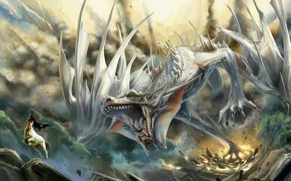 勢いよく飛ぶ白いドラゴンの壁紙