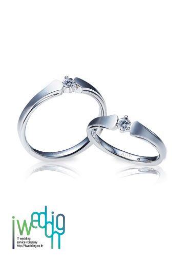 [아이웨딩 iwedding] 심플하지만 다이아몬드가 눈에 확 띄는 클래식함도 담은 디자인!