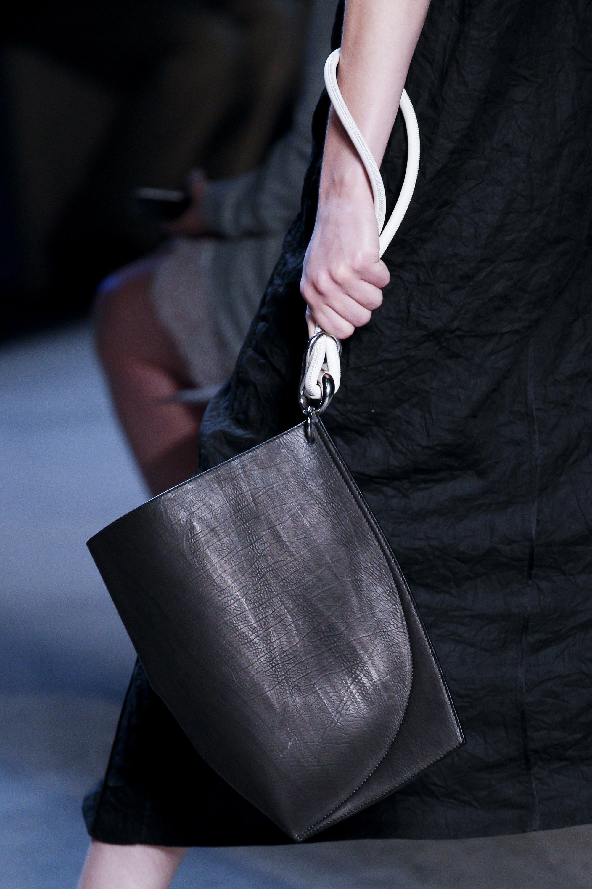 87c14ab976c Narciso Rodriguez Spring 2017 Ready-to-Wear Accessories Photos - Vogue