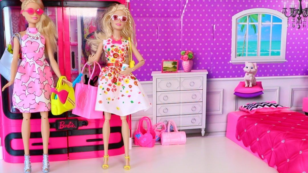 Princess Furniture Wardrobe Barbie Dolls Toys House Closet Toy Accessories  S