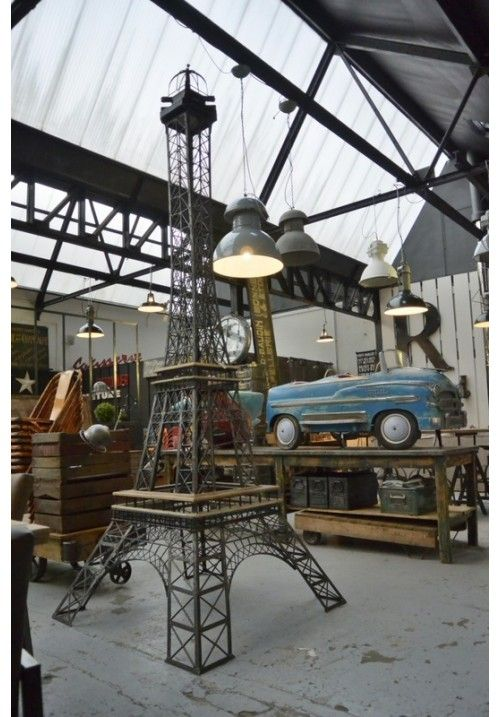 eiffel tower xxl to 1950 home spaces industrial. Black Bedroom Furniture Sets. Home Design Ideas