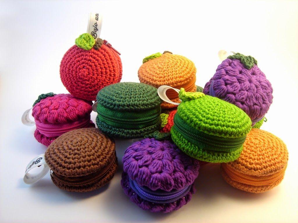 Monederos de ganchillo con forma de frutas como manzanas y naranjas ...
