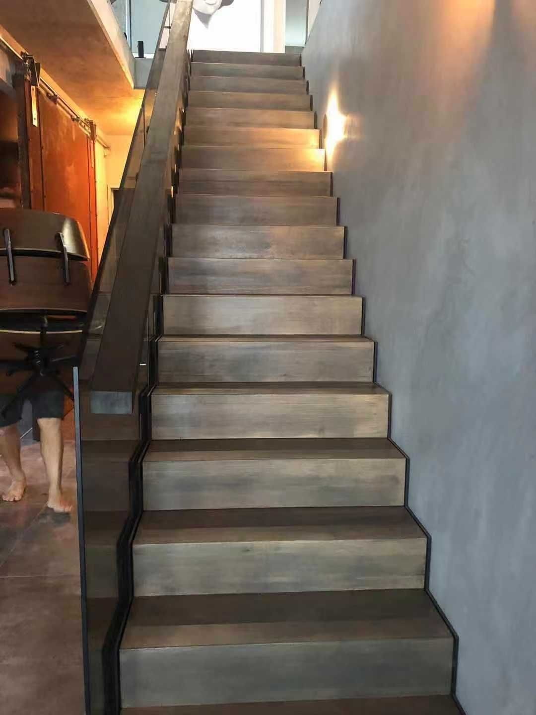 Best Prefinished Solid Stair Treads Stairs Engineered Wood 640 x 480