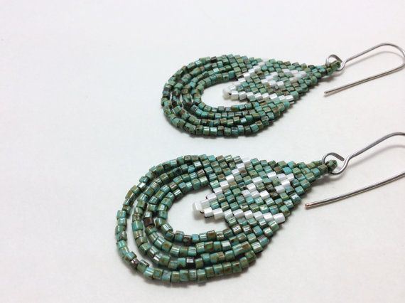 Beadwork Earrings. Beaded Earrings. Native American Style Earrings.