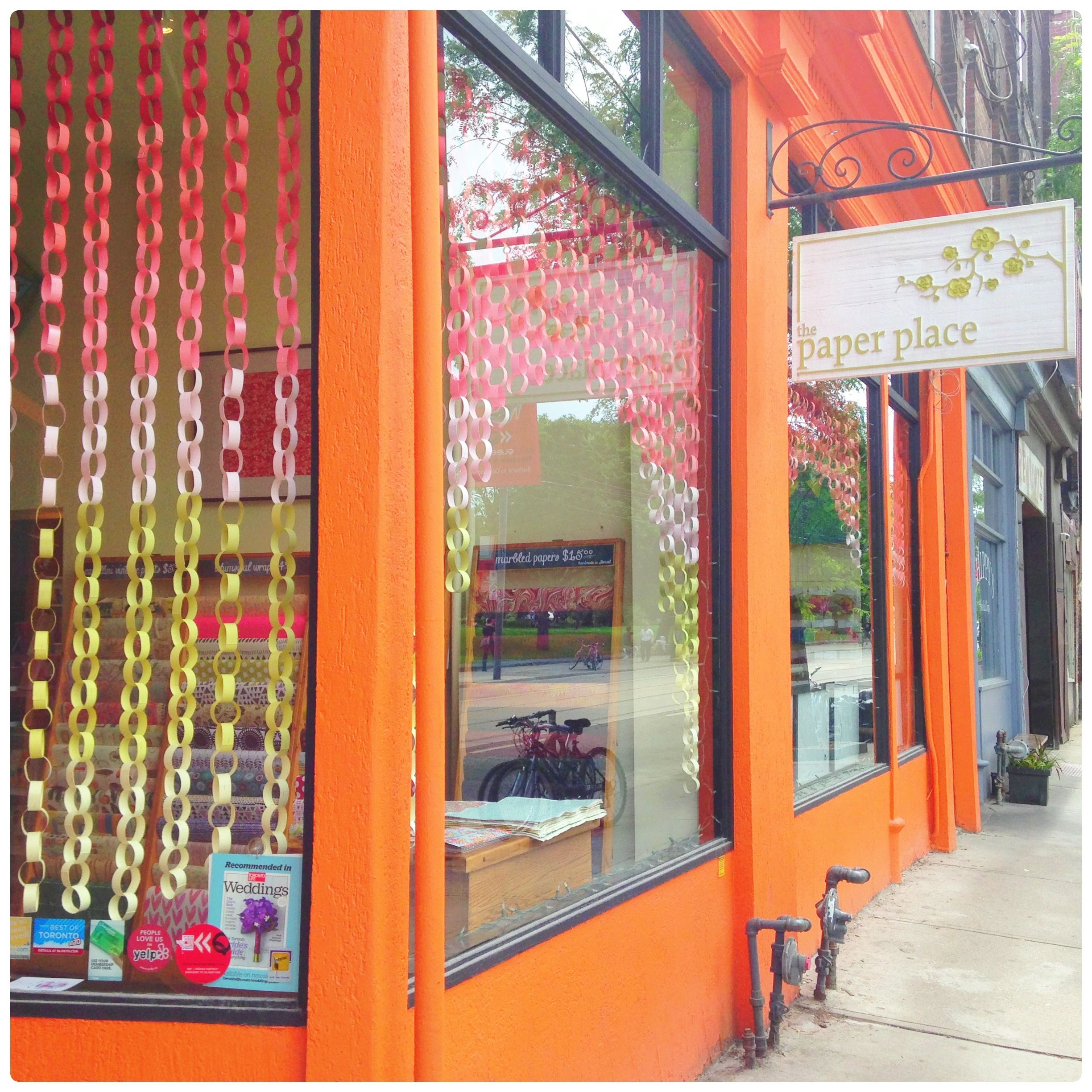 Classroom window decoration  Paper Chain Ombre Window Display Simple idea for wedding backdrops