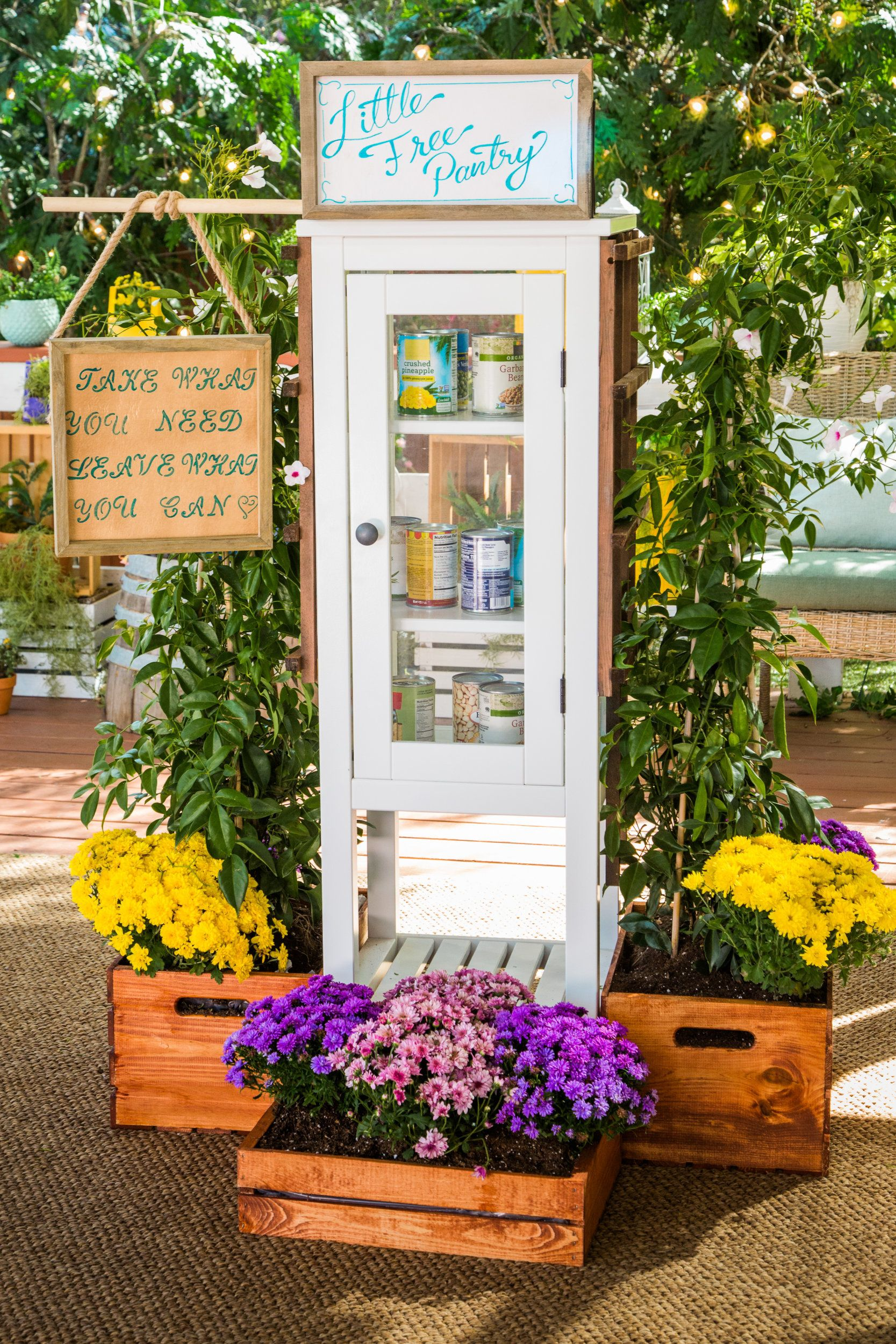 DIY Little Free Pantry in 2020 Little free pantry