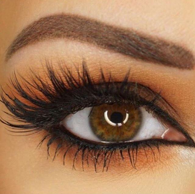 """Huda Beauty lashes in """"Scarlet"""""""