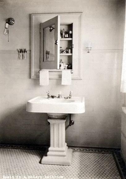Vintage Style In An Actual Vintage Bathroom We Love The Pedestal