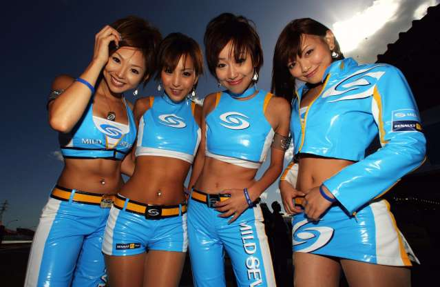 A lovely Konica Minolta grid girl at Japanese GP