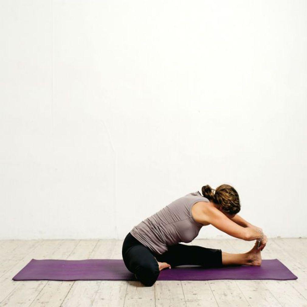 Relaxation finale 3/3 (cadavre)   Yoga du soir, Yoga ...