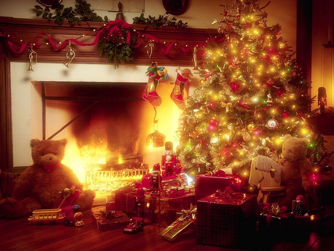 Animated Christmas Desktop Screensavers And Wallpapers Christmas Tree With Christmas Tree And Fireplace Christmas Wallpaper Beautiful Christmas Decorations