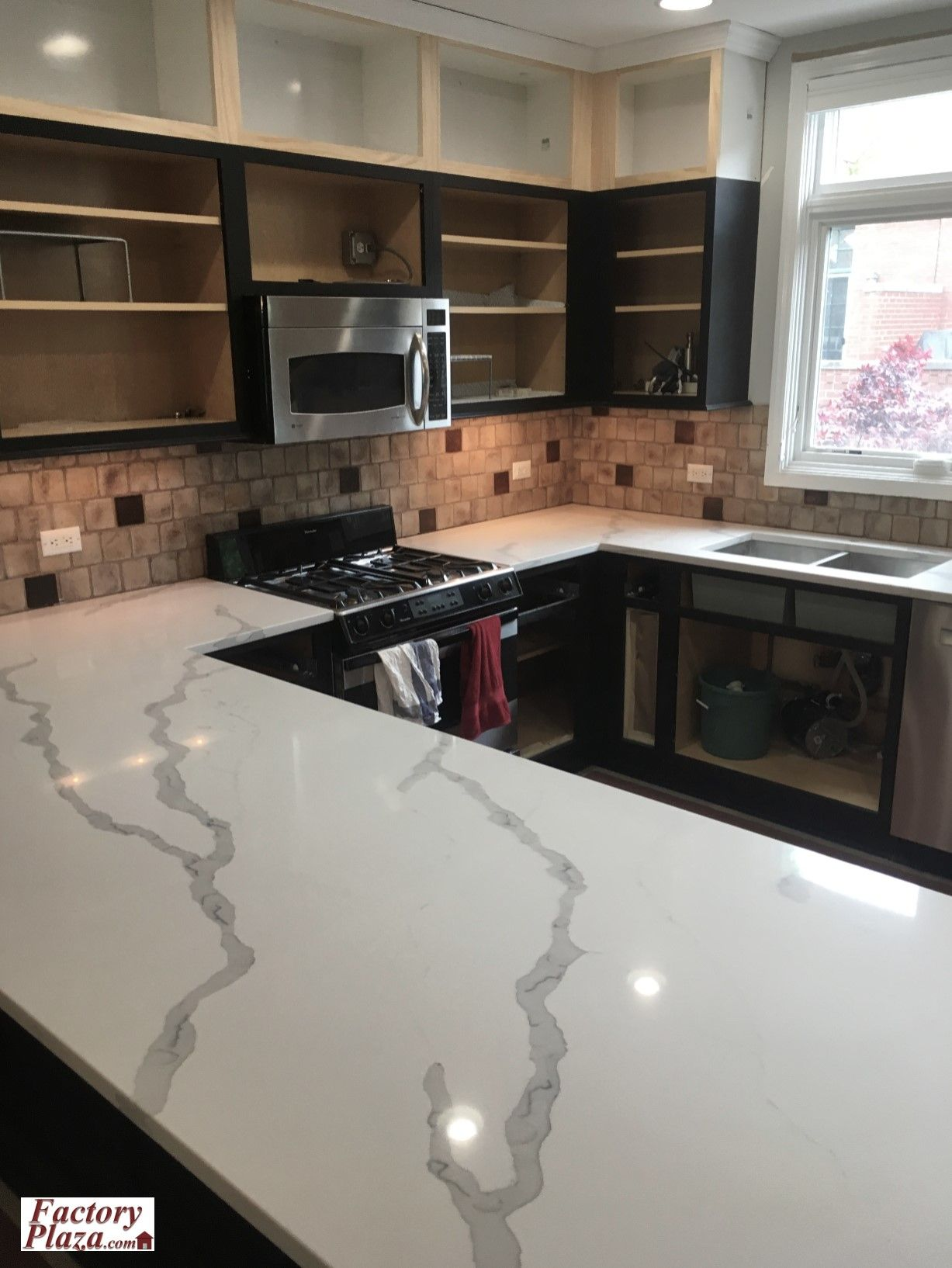 Quartz Countertop Just Installed By Factory Plaza Kitchen Cabinets And Countertops Quartz Countertops Granite Quartz Countertops