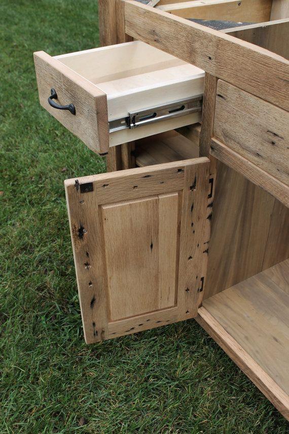 Tocador r stico 60 recuperado granero w paneles de por for Bajo gabinete tocador bano de madera