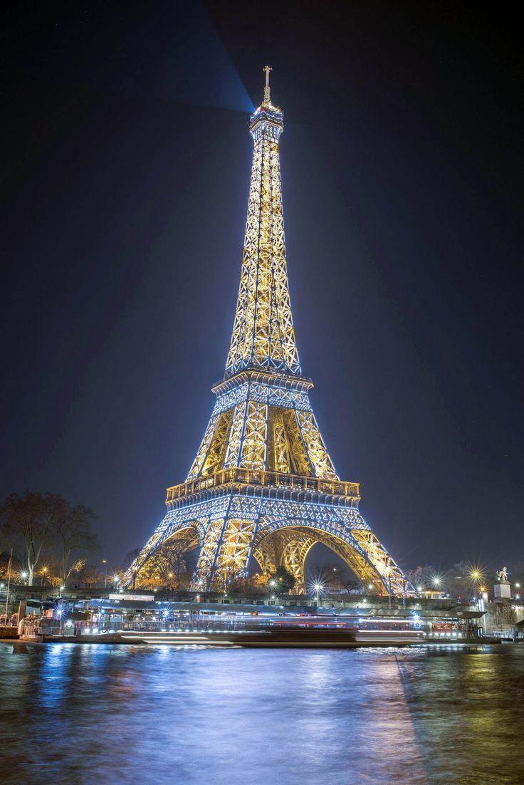 Outdoor Family Vacations Eiffelturm Treppen nur in travelarize Reiseideen - derBilder #eiffeltower