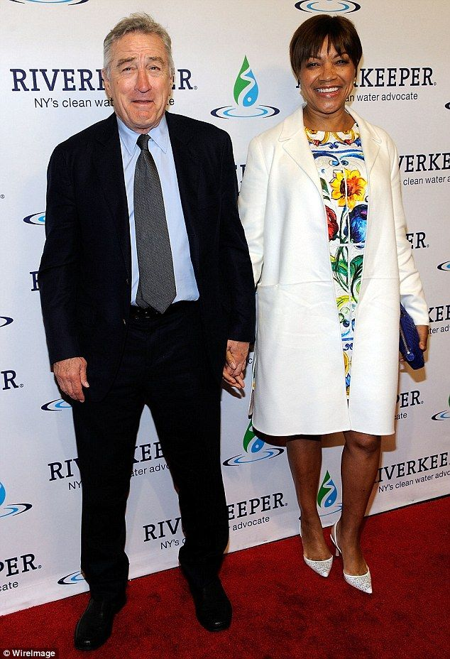 Robert De Niro lovingl...