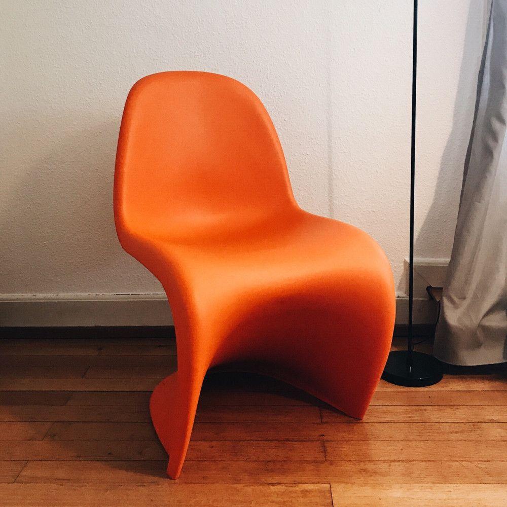 Designer Stuhl Ein Original Vitra Panton Chair Von Verner Patron Im Auffalligen Orange Harmonisiert Super Mit Deiner Schlichten Decor Floor Chair Home Decor