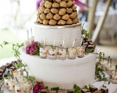 Tipi Vintage Wedding - Dessert Tower