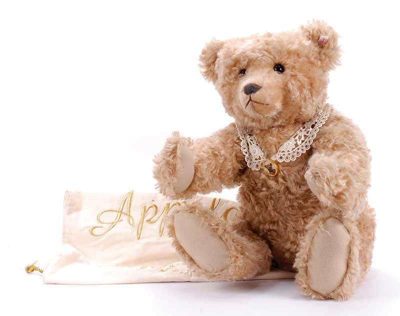Google Image Result For Http Www Vectis Co Uk Auctionimages 226 4197 L Jpg Teddy Teddy Bear