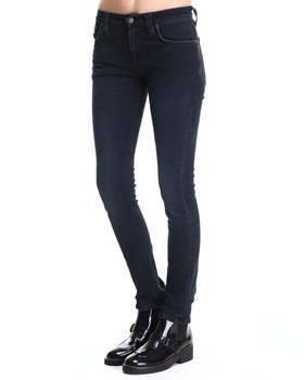Estos jeans son negros.  Me pondría estos jeans ir a compras.  Vendí estos ayer.