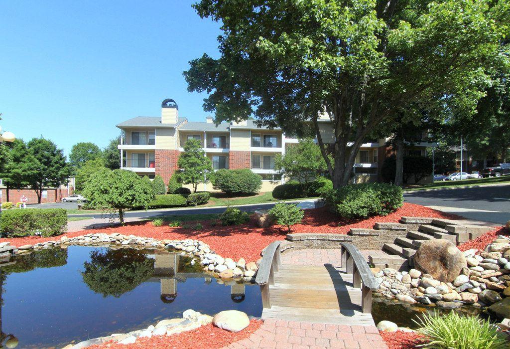 Autumn Ridge Apartments, 1500s House styles, Mansions