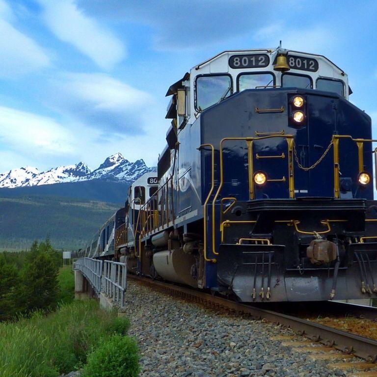 10 Of The Most Scenic Train Rides In North America