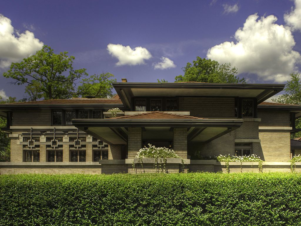 The meyer may house is a frank lloyd wright designed house for Architects grand rapids mi