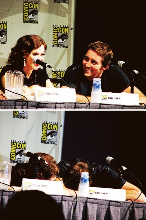 Anna Friel and Lee Pace at SDCC 2008 - Pushing Daisies