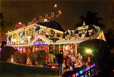 These Outdoor Xmas Decorations Encomp A Whole Christmas Village