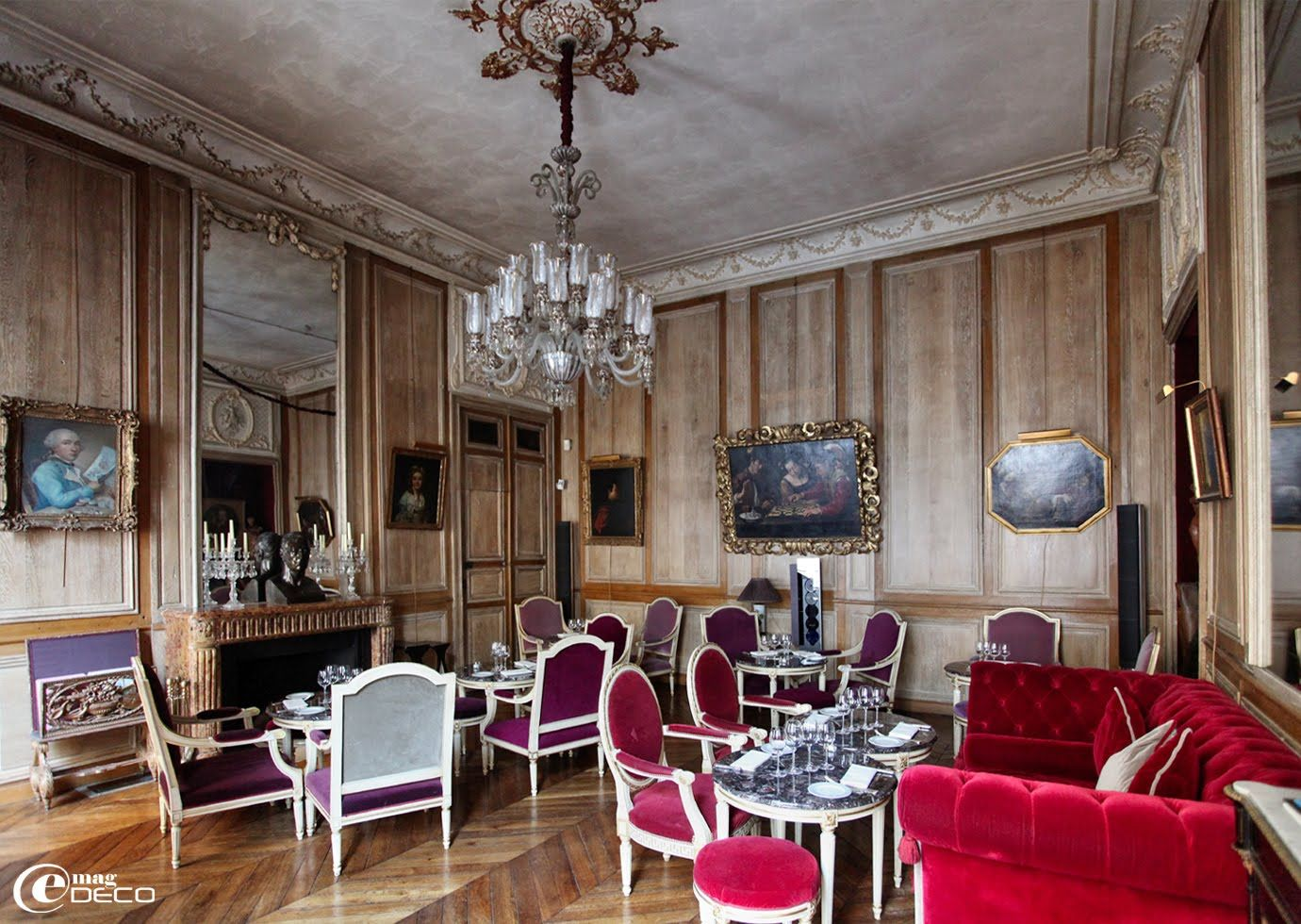 Le salon de musique d cor sous louis xvi restaurant for Salon louis 16