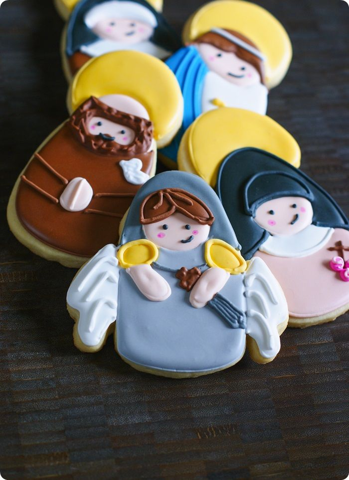 all saints day cookies ... how to make decorated Saint cookies! #catholic #allsaintsday
