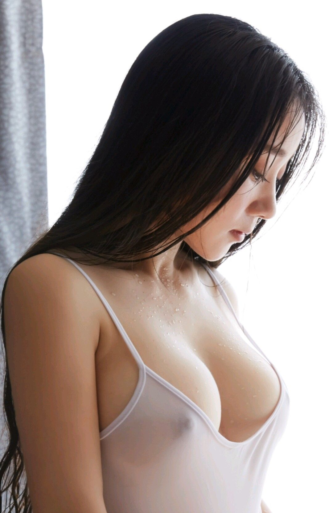 Video no bra asian, wild n out naked butt