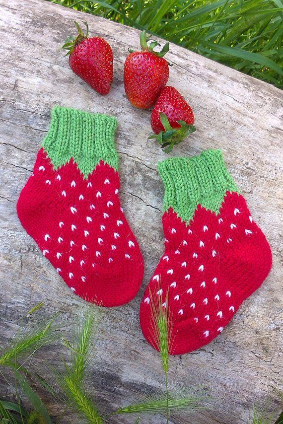 Photo of Stricken Erdbeersocken warmen Winter Baby Mädchen Socken stricken rote Baby Socken Wolle Kleinkind Mädchen Socken kleine Mädchen Outfit gestrickte Kinder Socken Kinder