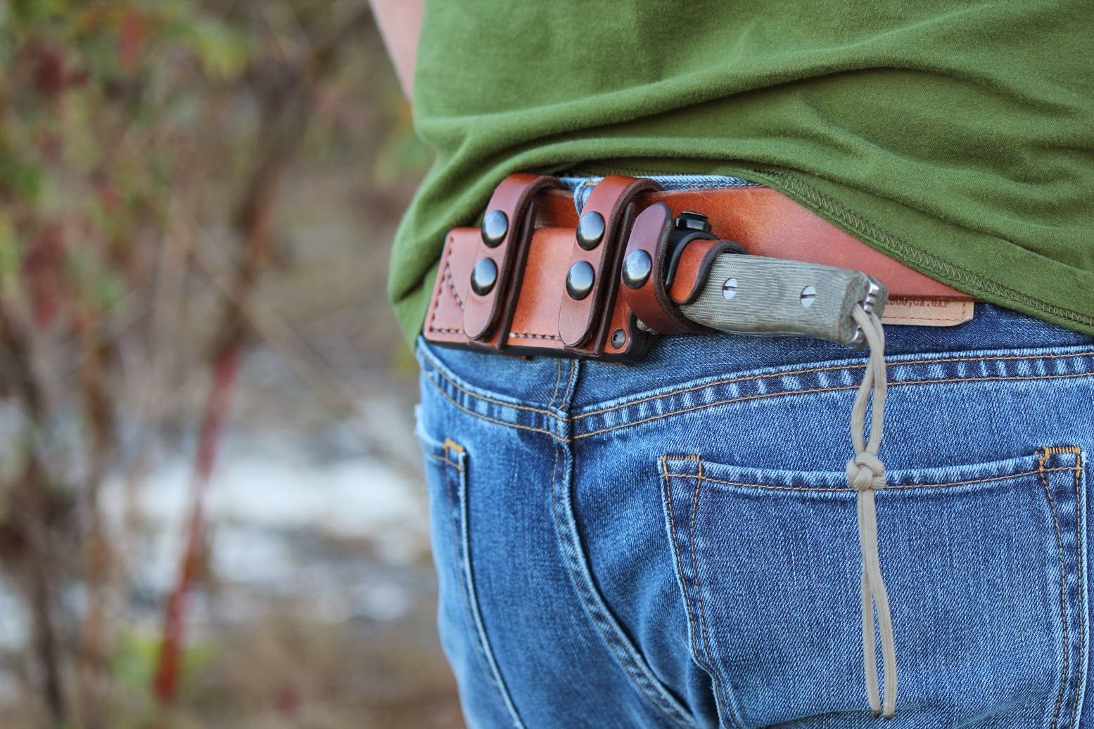 Horizontal belt knife holster
