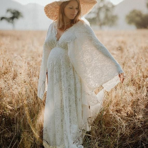 Pictured lace fabric unfortunately no longer on the market. This dress will made a different floral design of lace fabric !Lace bohemians dress for your photo shoot with lining Perfect for maternity and non maternity use as well.