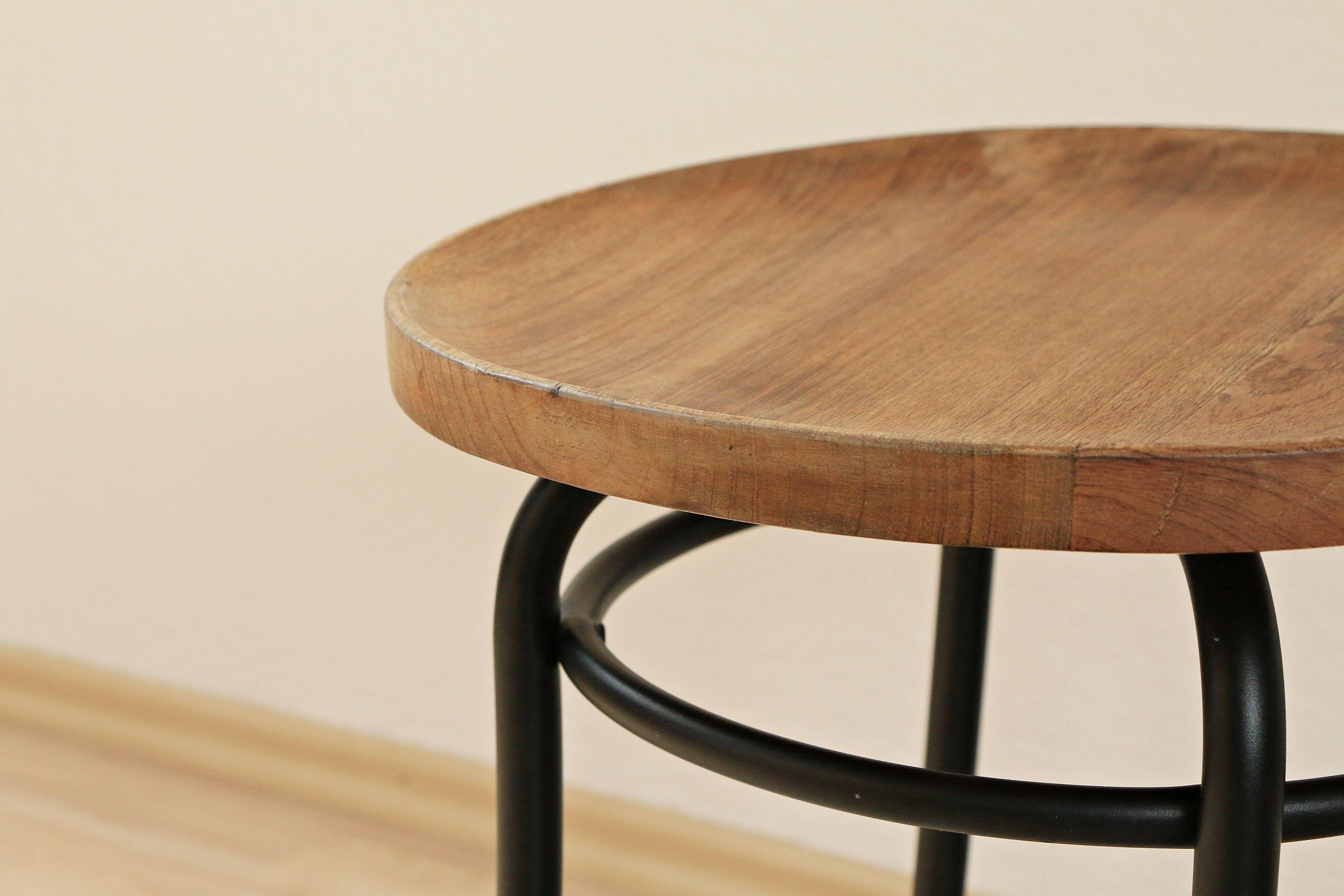 hocker mit tablett lederhocker ii leder hocker mit tablett with hocker mit tablett latest luna. Black Bedroom Furniture Sets. Home Design Ideas