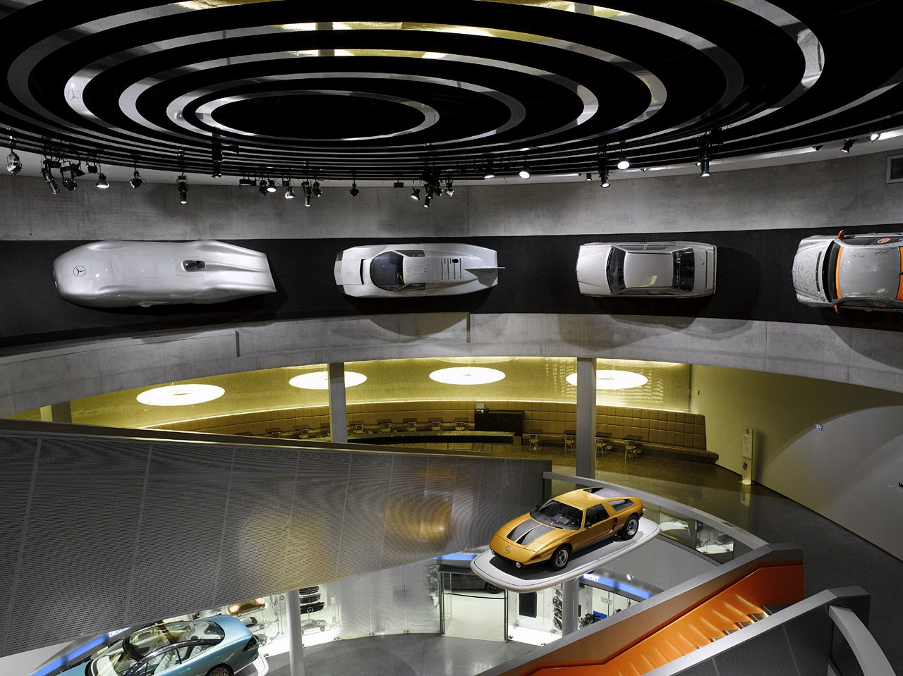 Mercedes Benz Museum 73 Mercedes Benz Museum Presents 120 Years Of Auto History Pictures Galore Mercedes Benz World Car Showroom Mercedes Benz