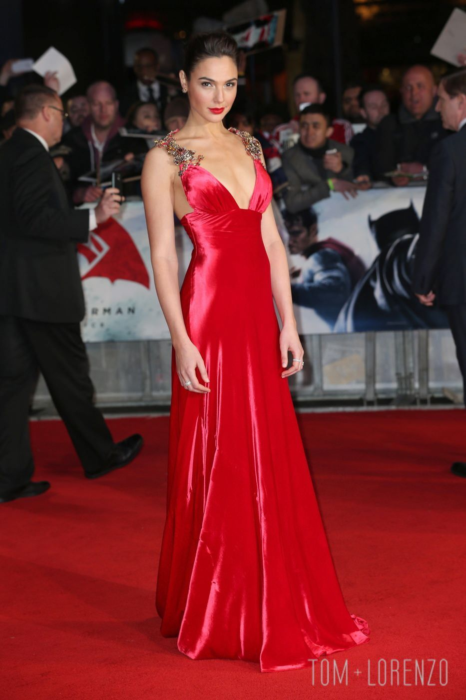 Gal-Gadot-Batman-Superman-Dawn-Justice-European-Premiere-Red-Carpet ...