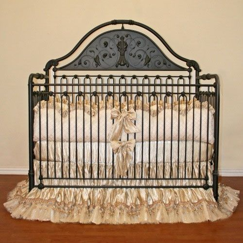 Little Leo S Nursery Fit For A King: Golden Angel Baby Bedding